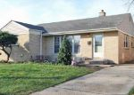 Foreclosed Home en SPRUCE AVE, Des Plaines, IL - 60018