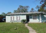Foreclosed Home en WOLEY DR, San Antonio, TX - 78228