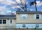 Foreclosed Home en MONMOUTH DR, Mays Landing, NJ - 08330