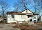 Foreclosed Home en LYNNWOOD AVE, Brick, NJ - 08723