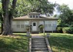 Foreclosed Home en MIDDLE ST, Leavenworth, KS - 66048