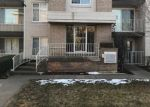 Foreclosed Home en W 77TH ST, Chicago, IL - 60652