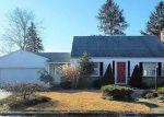 Foreclosed Home en PINE ST, Warwick, RI - 02888
