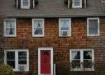 Foreclosed Home en BOYD AVE, Bay Shore, NY - 11706