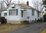 Foreclosed Home en OHEAR AVE, Enfield, CT - 06082