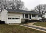 Foreclosed Home in PINE ACRES BLVD, Bay Shore, NY - 11706