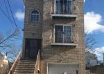 Foreclosed Home en S 9TH ST, Newark, NJ - 07103