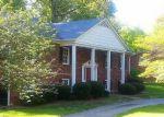 Foreclosed Home en VALLEY BROOK LN, Winston Salem, NC - 27104