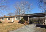 Foreclosed Home en WADESVILLE RD, Berryville, VA - 22611