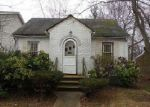 Foreclosed Home en E PENNYWOOD AVE, Roosevelt, NY - 11575
