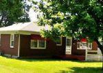Foreclosed Home en PLANTATION DR, Louisville, KY - 40216