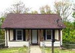 Foreclosed Home en WHITNEY ST, Charleston, WV - 25302