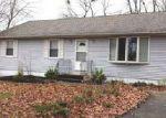Foreclosed Home en CAMDEN AVE, Blackwood, NJ - 08012