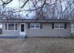 Foreclosed Home en EARLANN DR, Louisville, KY - 40219