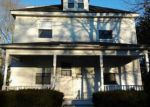 Foreclosed Home en FAIRVIEW AVE, Taunton, MA - 02780