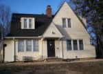 Foreclosed Home en E 63RD ST, Kansas City, MO - 64130