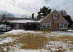 Foreclosed Home en ROCKWOOD RD, Levittown, PA - 19056