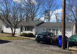 Foreclosed Home en SAVOY ST, North Providence, RI - 02911