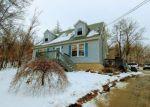 Foreclosed Home en JONESTOWN RD, Oxford, NJ - 07863