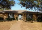 Foreclosed Home en WINDRIDGE DR, Garland, TX - 75043
