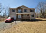 Foreclosed Home en HUCKLEBERRY DR, Long Pond, PA - 18334