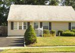 Foreclosed Home en IDLEWILD RD, Edison, NJ - 08817