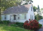 Foreclosed Home en W SUNSET DR, Wonder Lake, IL - 60097
