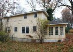 Foreclosed Home en RAMBLE RD, Milford, MA - 01757