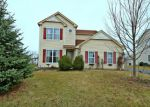 Foreclosed Home en GREENVIEW DR, Woodstock, IL - 60098