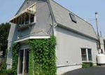 Foreclosed Home en SHAMROCK LN, Smithfield, RI - 02917
