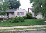 Foreclosed Home en VIRGINIA ST, Sayreville, NJ - 08872