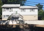 Foreclosed Home en LARSON TRL, Hopatcong, NJ - 07843