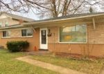 Foreclosed Home en MERIDETH DR, Warren, MI - 48091