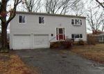 Foreclosed Home en WOODLAND RD, Bayville, NJ - 08721