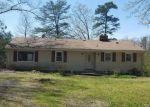 Foreclosed Home en STRIPER DR, Colonial Beach, VA - 22443