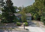 Foreclosed Home en HIDDEN LN, Lakewood, NJ - 08701