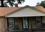 Foreclosed Home en SUNSET AVE, Louisville, KY - 40211