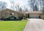 Foreclosed Home en W OAK GLEN DR, Bartlett, IL - 60103