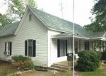 Foreclosed Home en S BROAD ST, Commerce, GA - 30529
