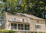 Foreclosed Home en HUNTINGTON ST, Shelton, CT - 06484