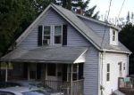 Foreclosed Home en MAIN AVE, Warwick, RI - 02886