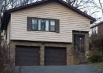 Foreclosed Home en W LOOKOUT AVE, Hackensack, NJ - 07601