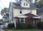 Foreclosed Home en E 1ST ST, Clifton, NJ - 07011