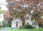 Foreclosed Home en LAWNCREST RD, Danbury, CT - 06810