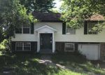 Foreclosed Home en WOODWAY DR, Jefferson City, MO - 65109