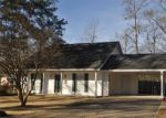Foreclosed Home en DOBBS ST, Benton, AR - 72015