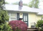 Foreclosed Home en RUTLEDGE DR, Red Bank, NJ - 07701