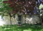 Foreclosed Home en NEWBERRY LN, Levittown, PA - 19054
