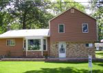 Foreclosed Home en OAKWOOD DR, Hillsdale, MI - 49242