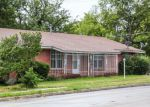 Foreclosed Home en E CANTEY ST, Fort Worth, TX - 76104